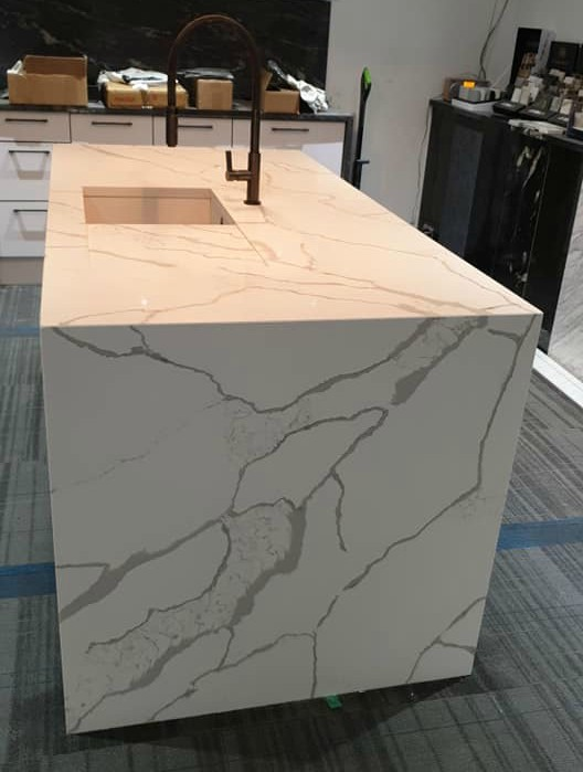 fiery-calacatta-quartz-bookmatched-island