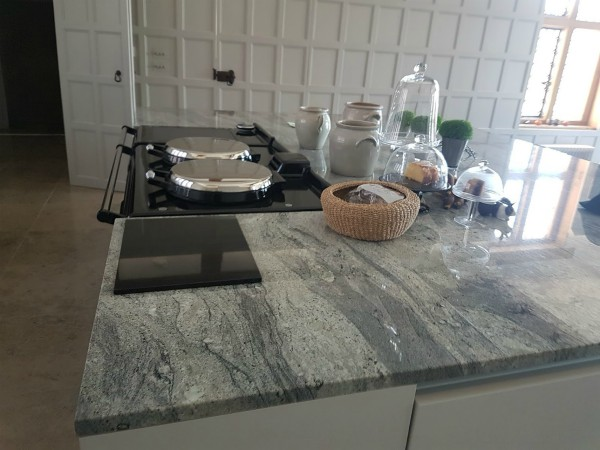 cosmic-white-granite-worktops